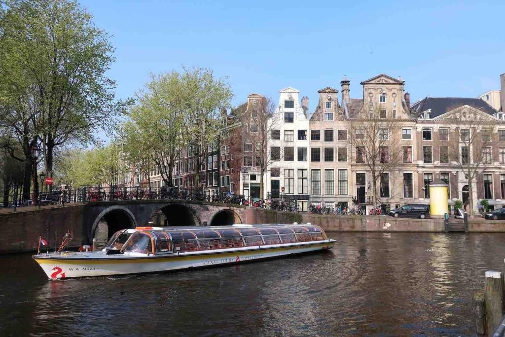 Canals in Amsterdam Herengracht