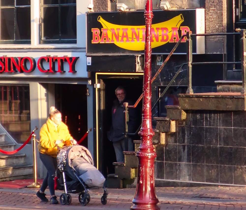 best strip clubs in Amsterdam Bananenbar