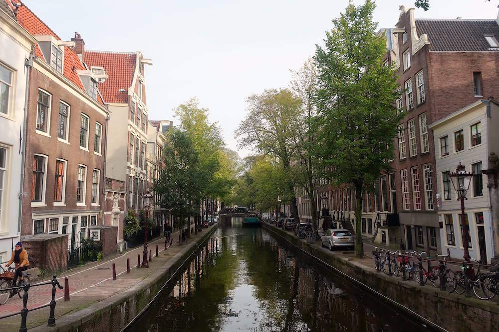 Amsterdam cheap hotels