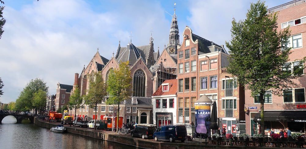 oude kerk red light district in amsterdam
